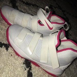 Lebron cancer awareness shoes